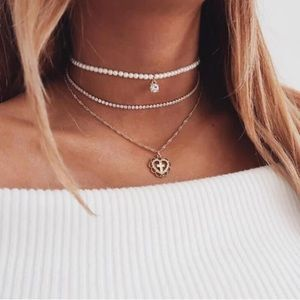 Boho Multilayer Pearl Heart Gold Choker Necklace